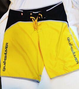 QUICKSILVER Mens 38 Swim Trunks Swimsuit Yellow Black Board Shorts Beach Summer