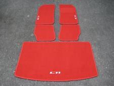 voiture Tapis rouge vif pour Peugeot 205 + CTi Logos argenté + tapis de coffre