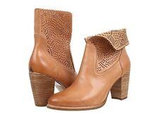 UGG Thames Seaweed Perf Womens Boots Suntan Leather 7.0US NIB