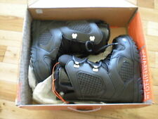WOMENS THIRTYTWO EXIT SNOWBOARD BOOTS, NEW, U.S. SIZE 7