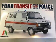 ITALERI 1:24 3657 FORD TRANSIT MK. II FURGONE DELLA POLIZIA modello Camion Kit
