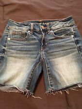 (G34) Women's American Eagle Midi Jean Shorts Super Stretch Size 2