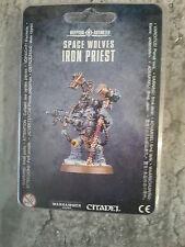 Warhammer 40K lobos espaciales Hierro sacerdote-Nuevo y Sellado