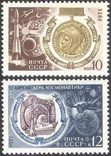 Russia 1971 VOLO NELLO SPAZIO/GAGARIN/Rocket/Luna/Pianeti/Radio/Navi 2v Set (n11751)