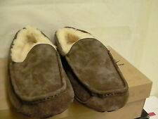 Men's ugg winter slippers brown size 10 new