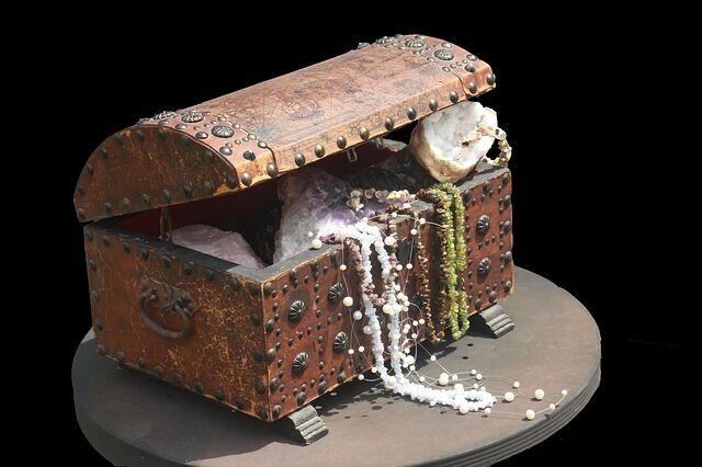 Calo's Treasure Trunk