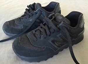 New Balance 574 Classic Running Shoes Size Mens US5 LIKE NEW CONDITION