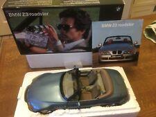 BMW Z3 James Bond 1/18 BMW Dealer version made by UT