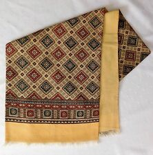 Vintage scarf with formal pattern for men or ladies Lovely condition