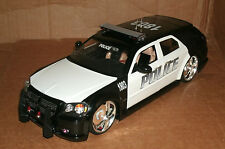 1/18 Dodge Magnum R/T Police Car Diecast Model - Custom Made Cruiser Jada 90292