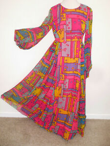 Vintage 1960s Hand Tailored SILK CHIFFON Flowing Boho Psychedelic MAXI DRESS Med