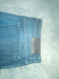 Hugo boss men's jeans 34 waist 32 leg