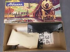 HO SCALE ATHEARN UNDECORATED 34' 2-BAY OFFSET HOPPER KIT