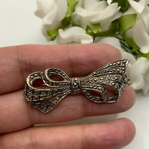 VINTAGE JEWELLERY MARCASITE EFFECT ELABORATE SILVER TONE BOW BROOCH PIN