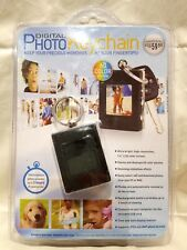 Innovage Digital Photo Keychain Displays 60 Color Photos Rechargeable 8MB NEW