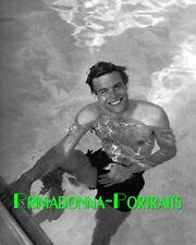 ROBERT WAGNER 8X10 Lab Photo Sexy Swimming Actor, 1960s Movie Star Portrait