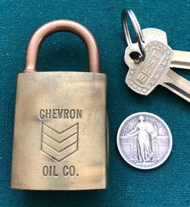 Vintage BEST COMPANY Logo Padlock CHEVRON + 2 Operable Keys