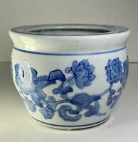 "Chinese  Chinoiserie Porcelain Blue & White Floral Design Planter  6"" x 4.5"" H"