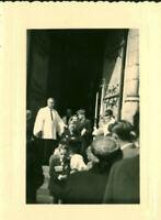 Photo ancienne communion communiant sortie de messe année 1970