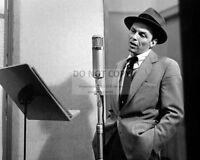FRANK SINATRA IN THE RECORDING STUDIO RAT PACK - 8X10 PUBLICITY PHOTO (ZZ-052)