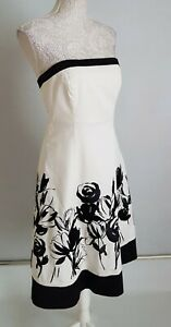 White House Black Market Embroidered Dress Size 6 / S