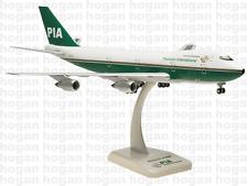 Hogan 1/200 PIA Pakistan B747-200 AP-BAT #0113 Snap-Fit Plastic Model Plane