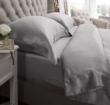 Linge de lit et ensembles gris