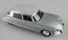 Norev 1/43e: Citroën DS berline gris métal/gris clair sans boite