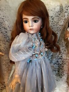 ANTIQUE REPRODUCTION BRU DOLL CONNIE DRAKE 24 IN. TALL BRUNETTE HUMAN HAIR WIG