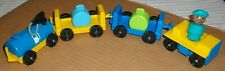 ***FISHER PRICE AIRPORT PLAYSET SERVICE VEHICLES, LUGGAGE, PILOT LITTLE PEOPLE**
