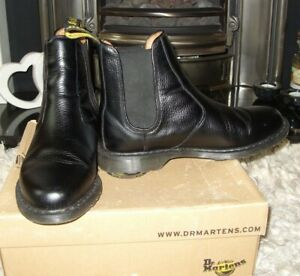 DR MARTENS black leather CHELSEA BOOTS sz 8 HARDLY WORN - EXCELLENT CONDITION