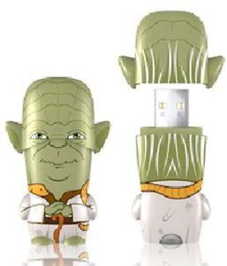 Star Wars Mimobot Yoda Figure 4GB USB Flash Drive NEW
