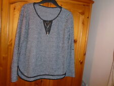 Black and white pattern wool blend top, tab sleeves, size 12-14, made in Italy