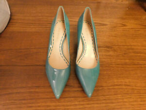 Enzo Angiolini Sz 7 Teal blue Pointed Toe Pumps Patent Leather Classic Heels EUC