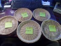 """Wicker Bamboo Rattan Picnic Large Reusable Paper Plate Holders NICE! 9"""" Q1"""