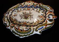 ancien grand plat  en céramique sur pied- vieux rouen-décor au panier-marque1572