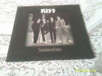 KISS. DRESSED TO KILL. CASABLANCA. NBLP. 7016. 1975. FIRST PRESSING.