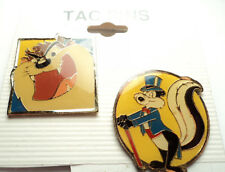 2 PCS - VINTAGE LOONEY TUNES TAZ and PEPE LE PEW TAC PINS - tp