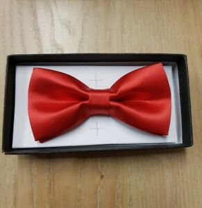 MENS RED SATIN BOW TIE - NEW IN BOX