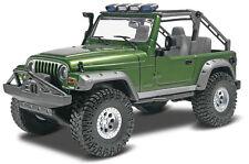 Revell Jeep Wrangler Rubicon 1/25 plastic model kit new 4053