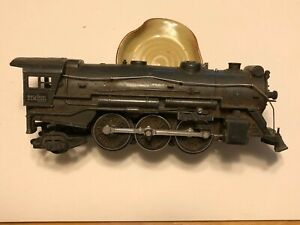 Assorted vintage (1940's) Lionel Train pieces and accessories