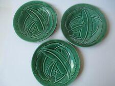 Gien France 3 antichi piatti con piume verdi con lustri barbotine