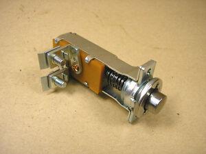 1949-52 Pontiac & Chevy Dash Mount Push button starter switch, C1996053