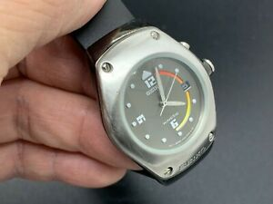 Vintage JAPAN MOV'T SEIKO KINETIC 3M22-0D39 MEN'S WATCH (Small size )