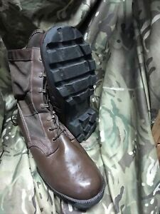 Genuine British Military Issue Brown Jungle Boots! Wellco WP!worn once!Size 10 L