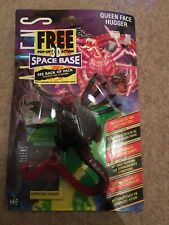 Aliens Queen Face Hugger Bio Data No.12 With 3D Space Base Kenner 1992