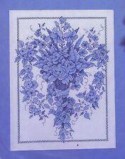Lámpara de azul con motivos florales Cross Stitch Kit