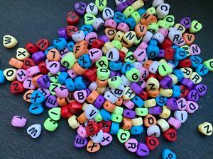 100 Buchstabenperlen Acryl BUNT Herzform Mix Buchstaben 4x7mm