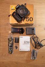Boitier NIKON D750 bon état, avec viewfinder LCDVF 4N et œilleton