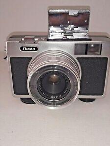****** 1969 Ricoh RIKEN RICOHMATIC 126 Film Camera RIKENON F:2.8 1:2.8 35mm Lens